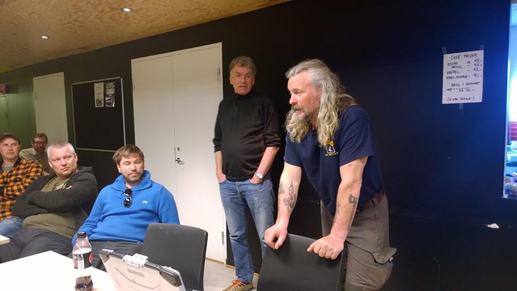 Espen Paulsen engasjerte tilhørere med fortelling fra padleturen ned Taltston River.